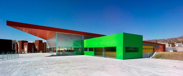 The Almendros Social Integration Center in the russian magazine Fasad News