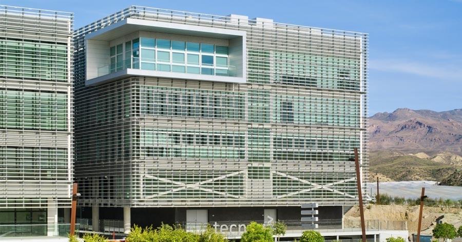 Proyecto y Dirección de Obra Edificio TECNOVA. Almería. 2009.